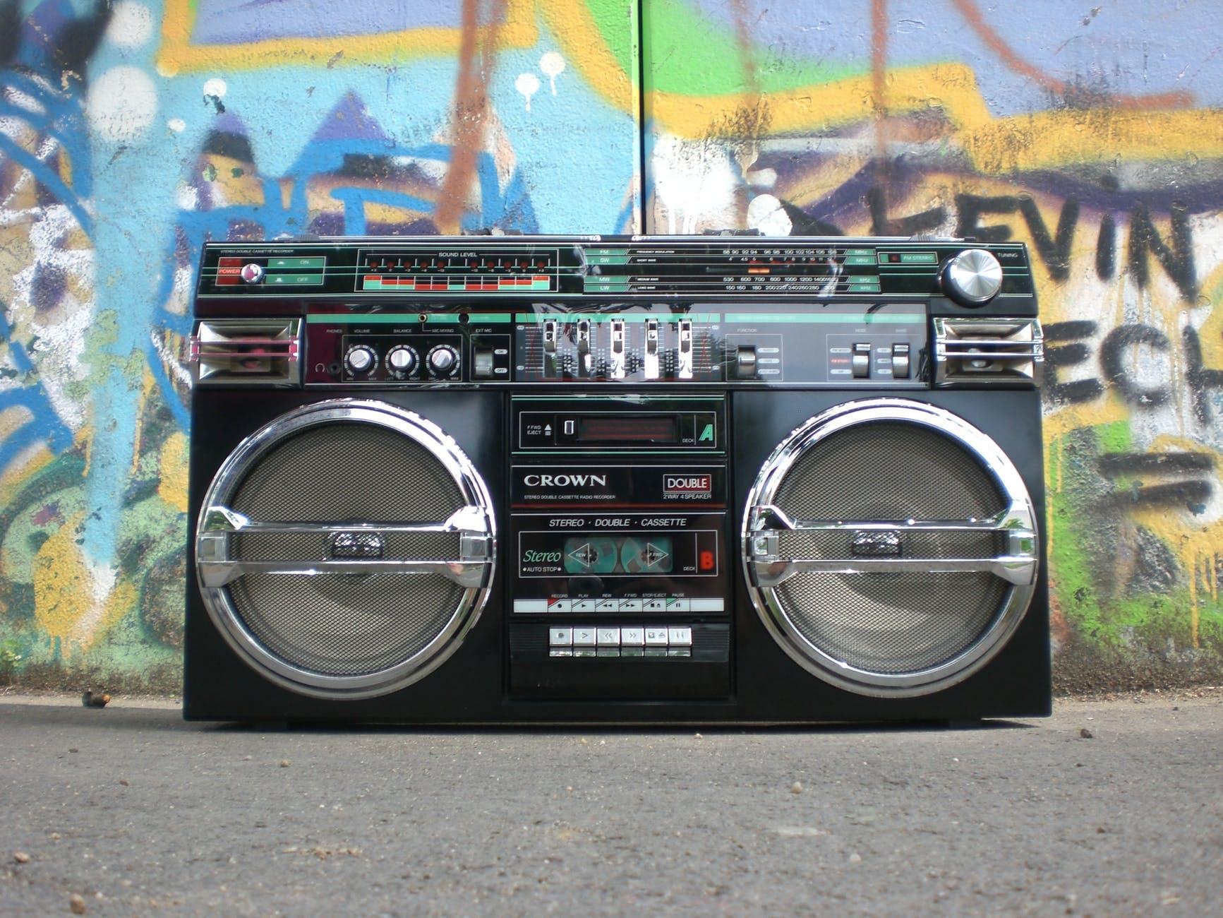 ghettoblaster-radio-recorder-boombox-old-school-159613.jpeg